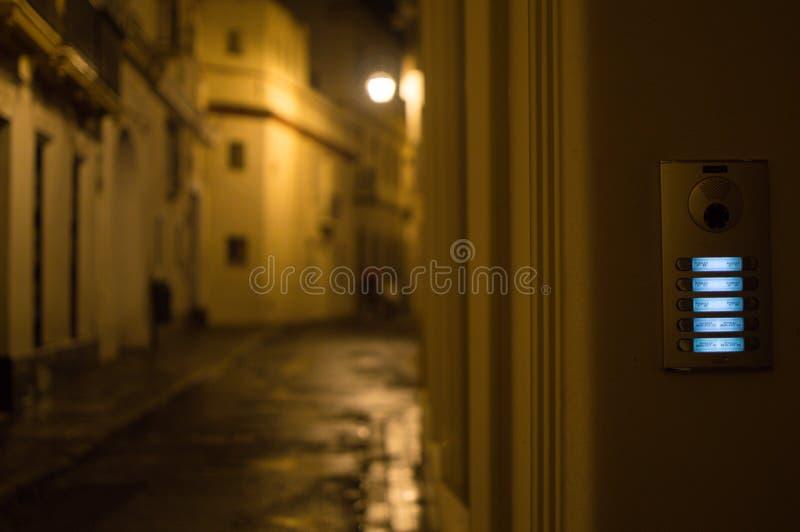 Дверные звоноки в Севилье на ноче, Испании стоковая фотография rf