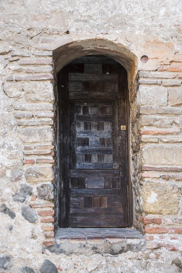 Дверь внутри Alcazaba Мериды Испании стоковая фотография rf