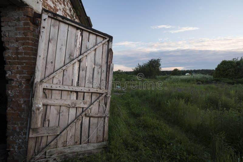 Дверь в лето стоковые изображения