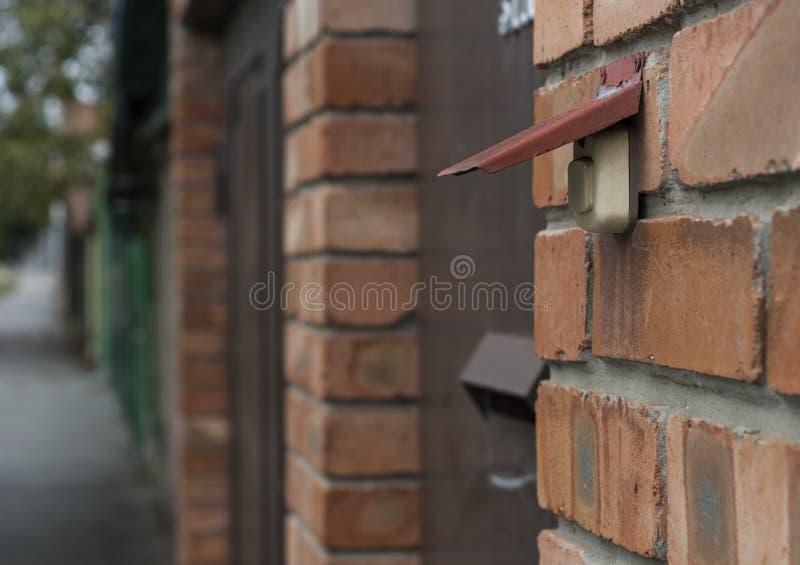 дверь колокола старая стоковая фотография rf