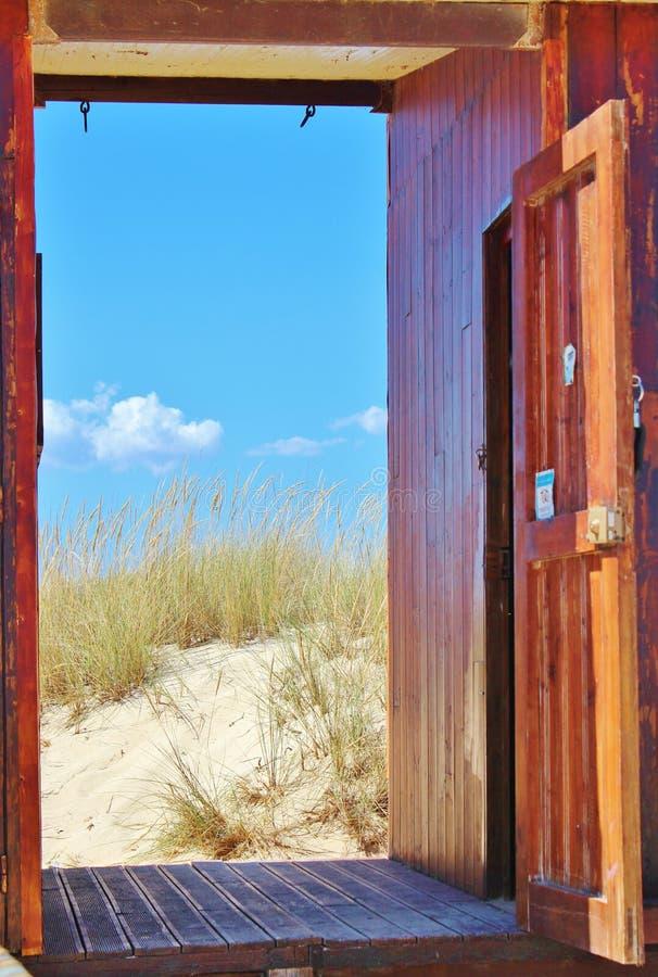 Дверь к пляжу стоковое изображение rf