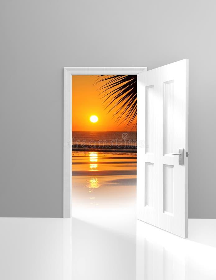 Дверь раскрывая к красивой сцене пляжа рая и золотому заходу солнца иллюстрация вектора