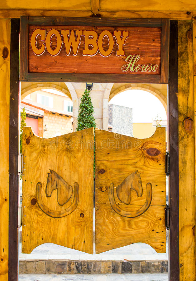 Дверь древесины стиля ковбоя стоковое фото rf
