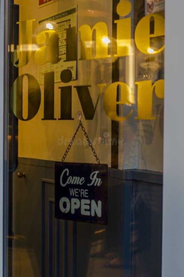 Дверь ресторана Джемми Оливера стоковое изображение rf