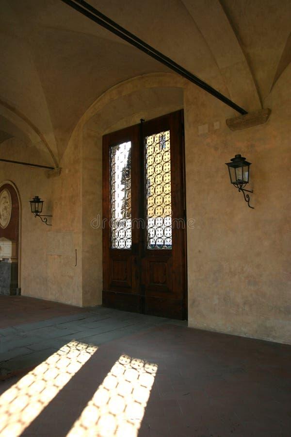 дверь santa croce базилики стоковое изображение