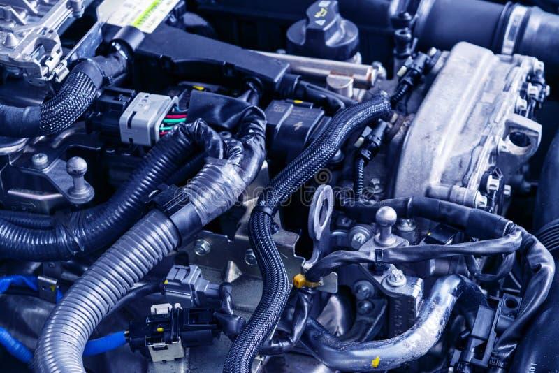 Двигатель автомобиля Машинная часть автомобиля Изображение конца-вверх двигателя внутреннего сгорания Двигатель детализируя в нов стоковые фотографии rf