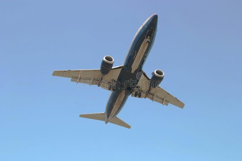двигатель летания самолета надземный стоковые изображения rf
