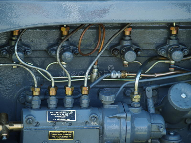 Двигатель гусеничного трактора стоковая фотография rf