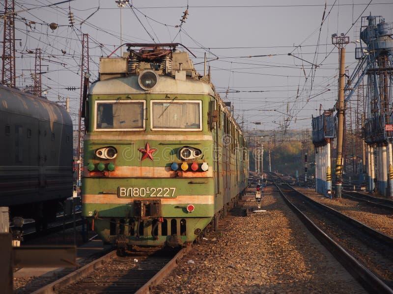 Двигатель поезда Транс-сибиряка стоковые изображения rf
