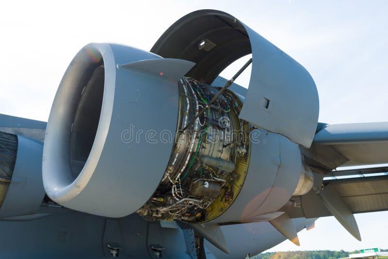 Двигатель турбореактивности Pratt & Whitney F117-PW-100 стоковая фотография