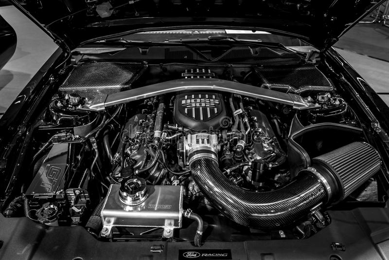 Двигатель ` u ратника ` GT Ford Мustang S Экстренный выпуск армии, 2014 Конец-вверх стоковая фотография
