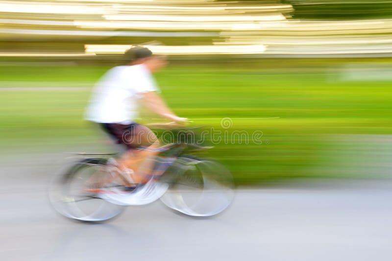 Движение велосипеда стоковые изображения rf