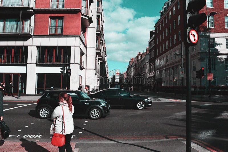 Движение красочных улиц Лондона занятое стоковое фото rf