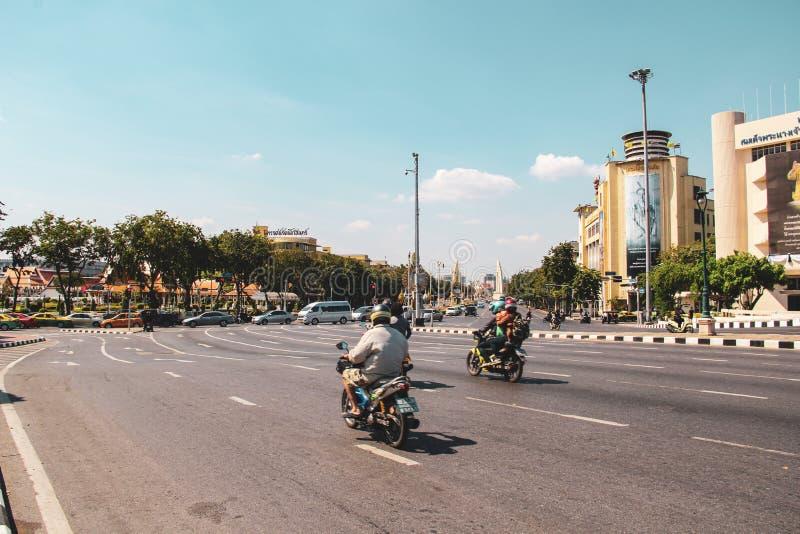 Движение мотоцикла в Бангкоке, Таиланде стоковые фото