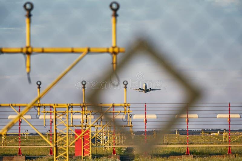 Движение на авиапорте стоковые фотографии rf