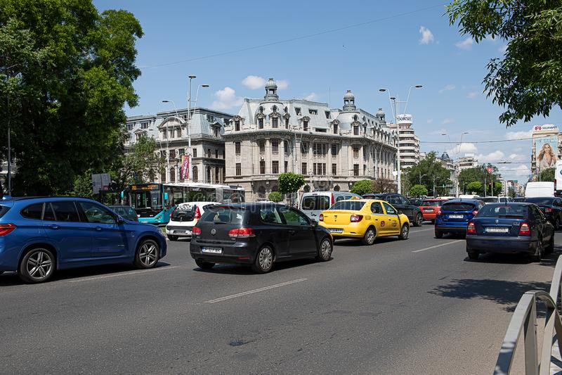 Движение на квадрате Бухаресте Румынии университета стоковые фотографии rf