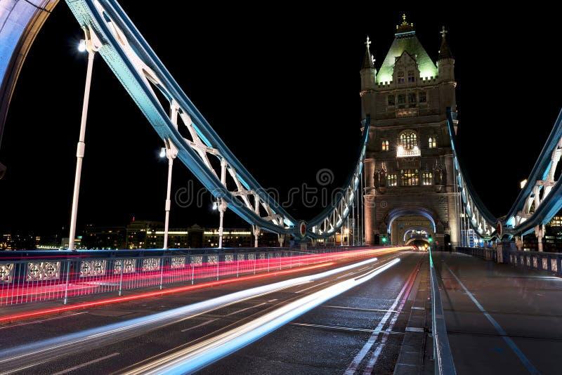 Движение на мосте башни стоковая фотография rf