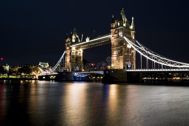 Движение на мосте башни стоковые фото