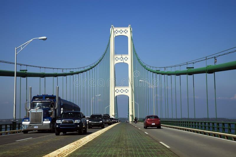 Движение на мосте Mackinac стоковая фотография