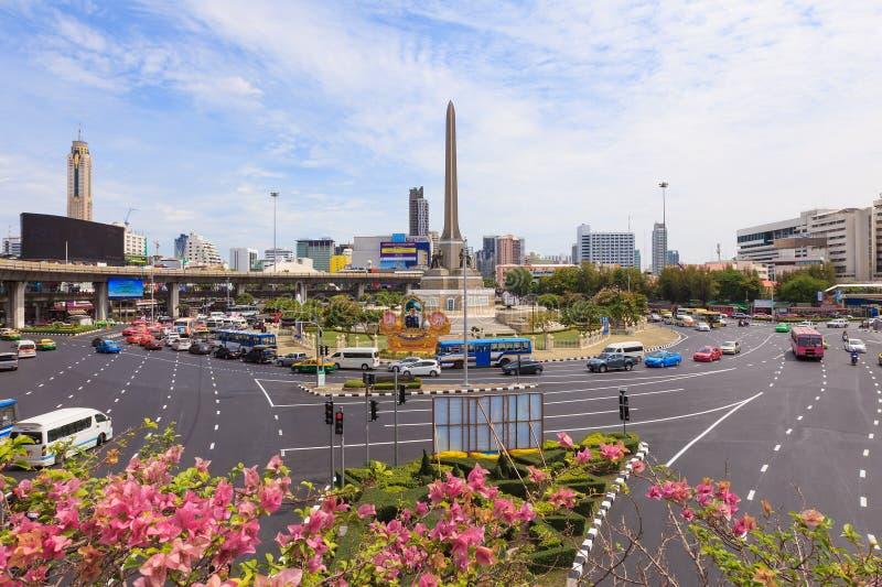 Движение на памятнике победы стоковое фото