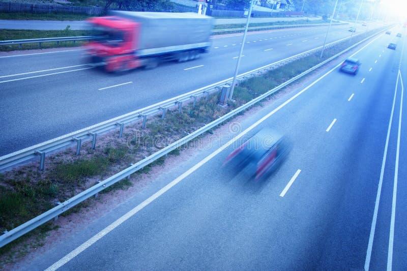 Движение на шоссе стоковые изображения rf