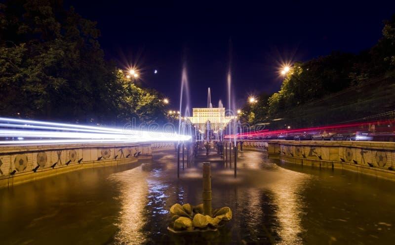 Движение ночи Бухареста стоковая фотография
