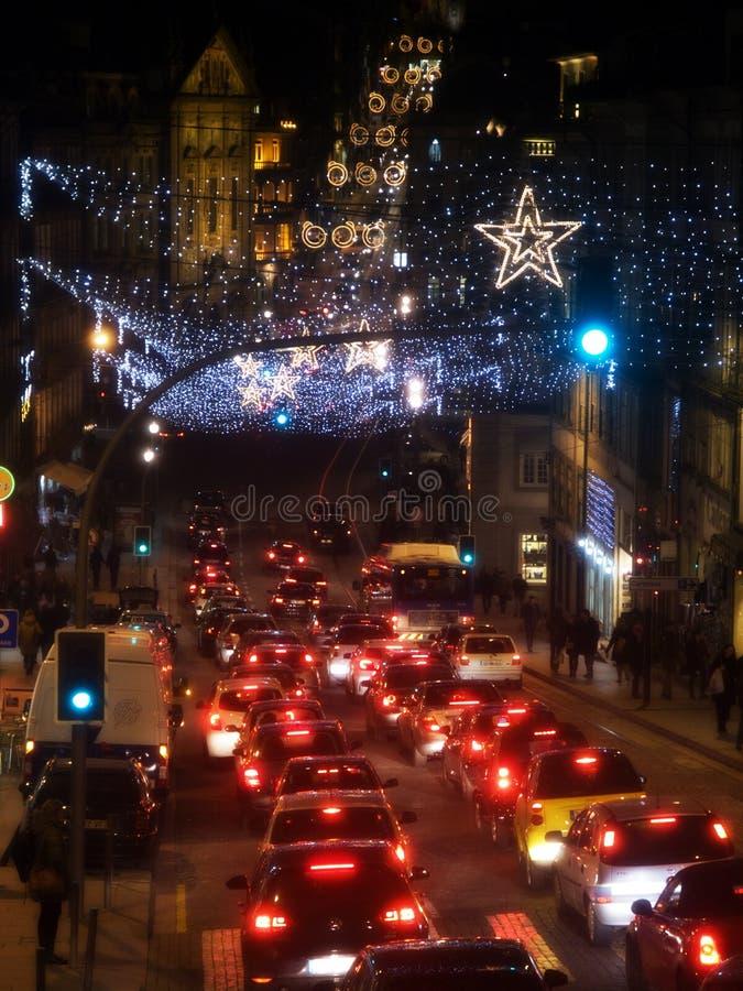 Движение улиц Oporto на ноче стоковое изображение rf