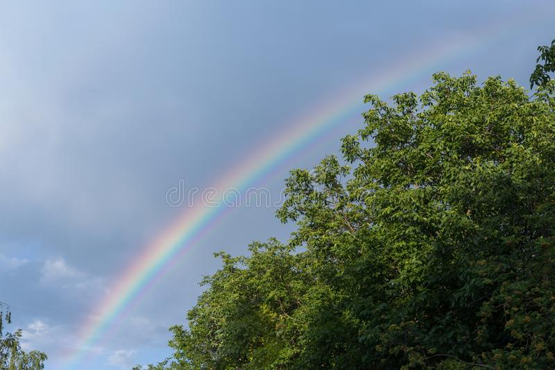Двойная радуга после дождя стоковое изображение