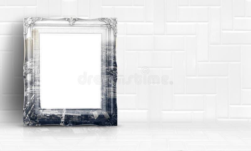 Двойная рамка выдержки города на белых чистых мраморных стене и поле стоковое фото rf