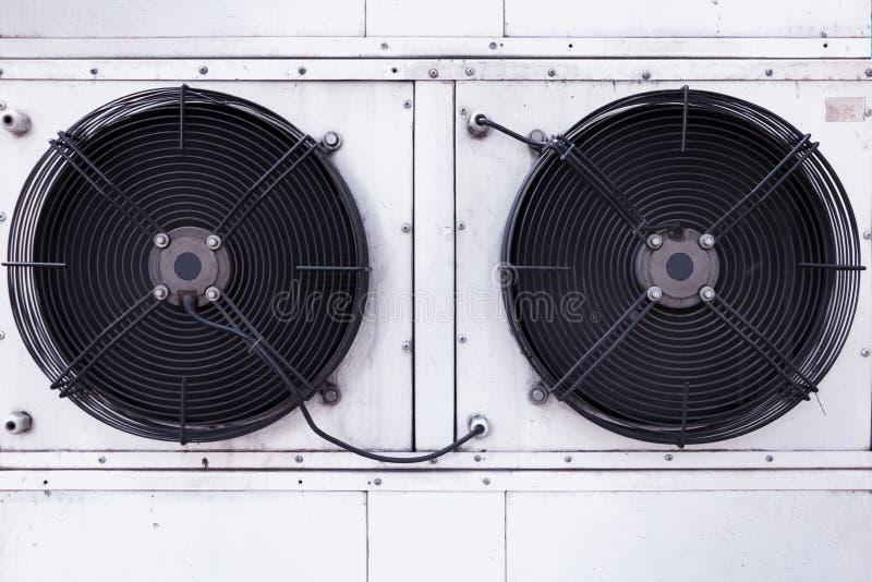 Двойная установка вентилятора промышленного кондиционирования воздуха стоковые изображения rf