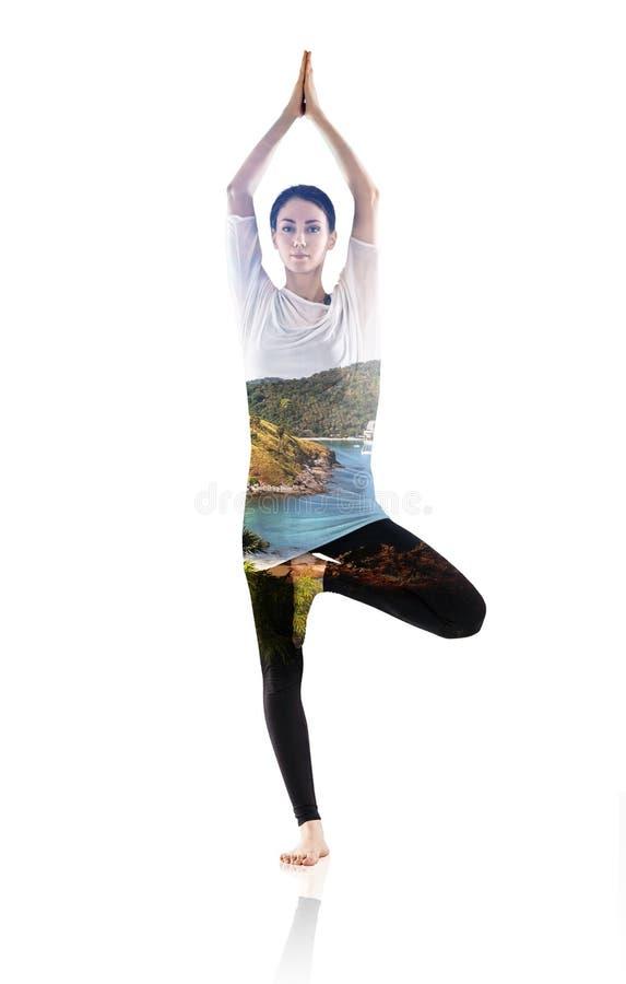 Двойная экспозиция женщины делая тренировку йоги стоковое фото