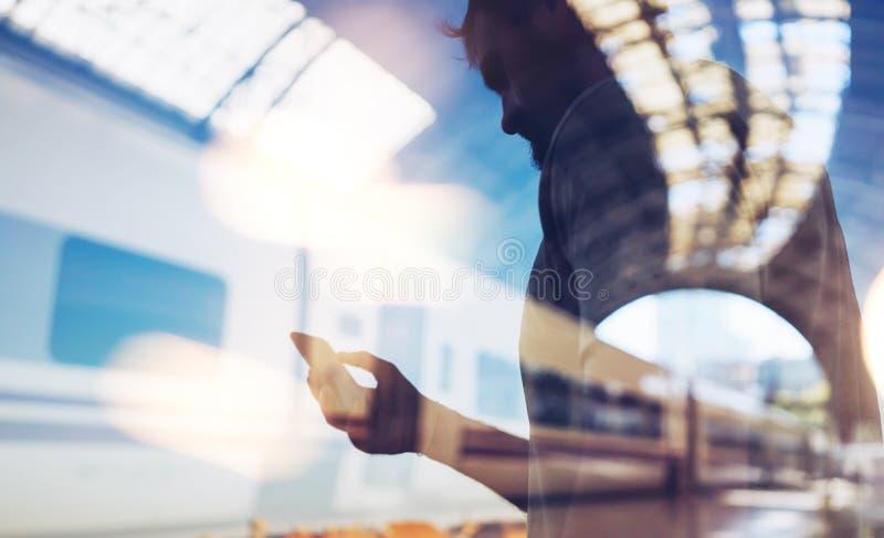 Двойная экспозиция человека и умного телефона стоковое фото rf