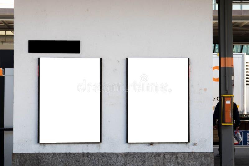 Двойное белое объявление рекламы рекламы афиши архитектурноакустическое стоковая фотография rf