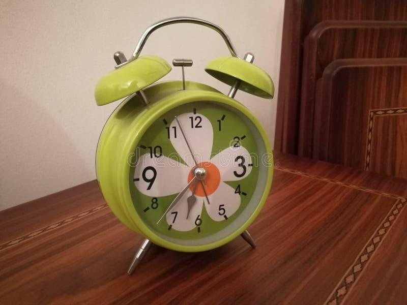 Двойной будильник колокола стоковая фотография