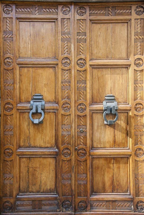 Двойные двери стоковая фотография