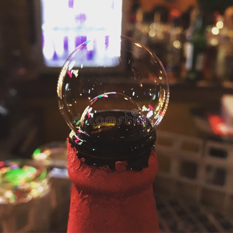Двойные пузыри пива стоковое фото