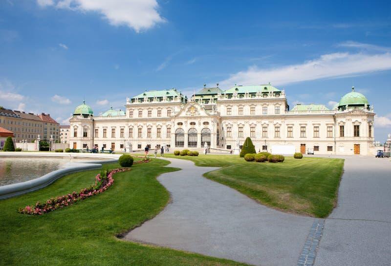 Дворец бельведера со своим парком в вене, Австрии стоковое фото rf