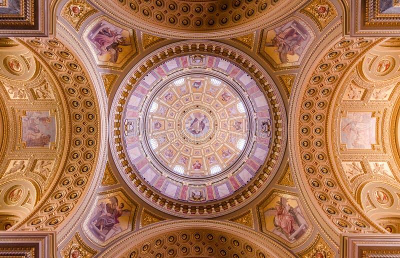 Дворец кафа Нью-Йорка, Будапешт - купол стоковое фото