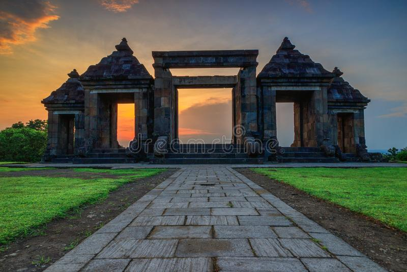 Дворец красивого захода солнца старый Javanese стоковое фото rf