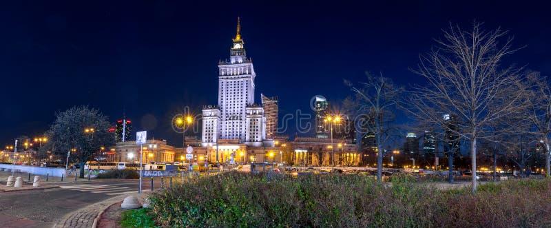 Дворец культуры и науки в центре  Варшавы, Польши стоковые фото