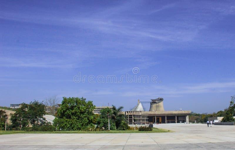 Дворец собрания или законодательной ассамблеи, Чандигарха, Индии стоковая фотография rf