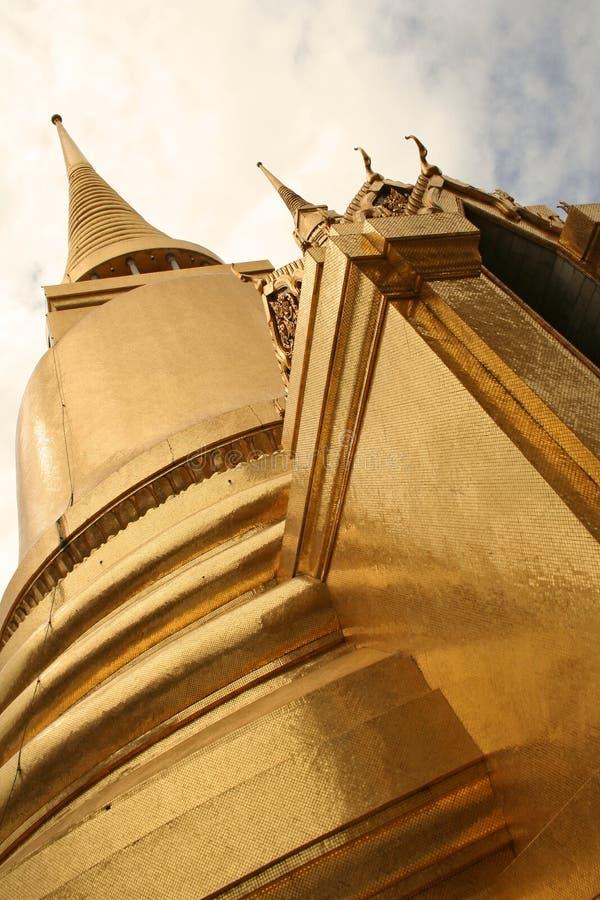 дворец Таиланд chedi bangkoks золотистый грандиозный стоковая фотография