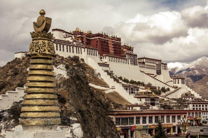 Дворец Тибета Potala стоковые фотографии rf