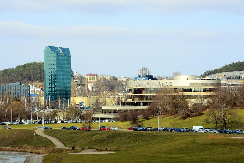 Дворец форума города Вильнюса на времени весны стоковые фото