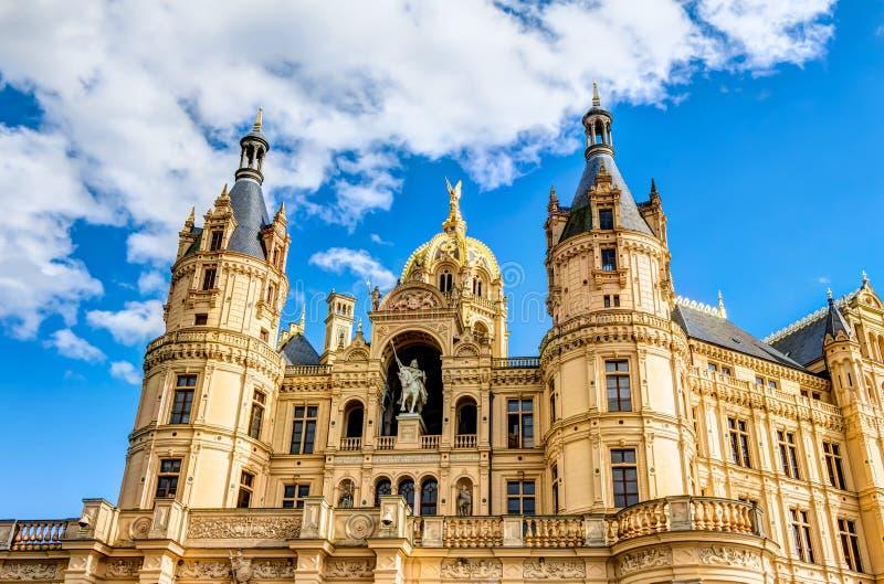 Дворец Шверина в романтичном стиле архитектуры Historicism стоковое фото rf