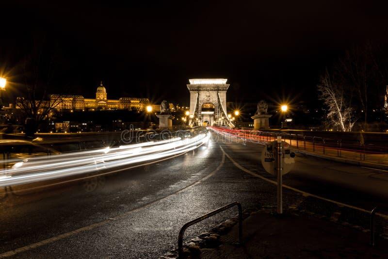 Дворец Buda над цепным мостом стоковая фотография rf