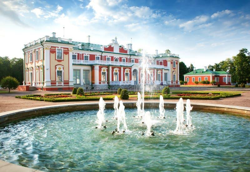 Дворец Kadriorg построил русским царем Питером стоковые фотографии rf
