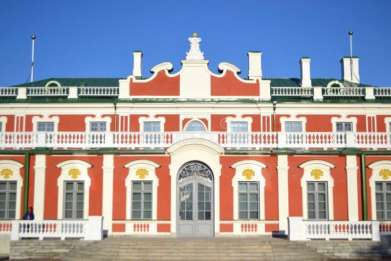 Download Дворец Kadriorg стоковое фото. изображение насчитывающей европа - 33739176