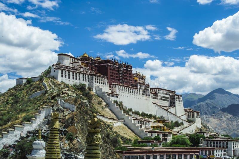 Дворец Potala, Тибет Китай стоковые фото
