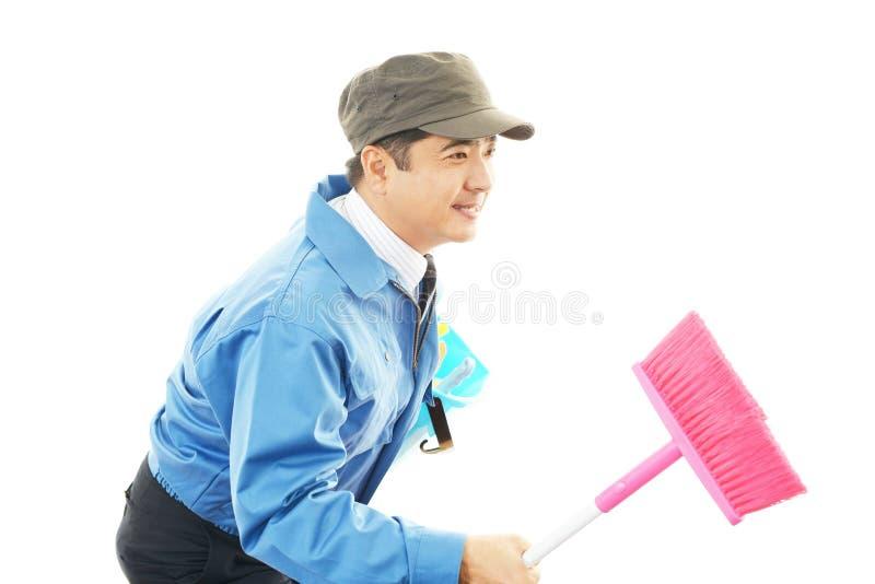 Download Дворницкая уборка стоковое фото. изображение насчитывающей janitor - 37930210